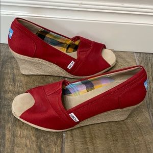 Toms red open toe wedges size 9.5.